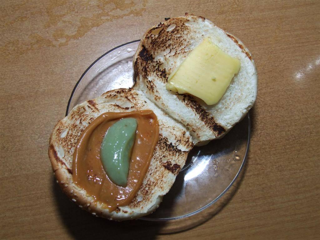 泗里街(Sarikei)最出名的炭烤面包 —— 《益星》1