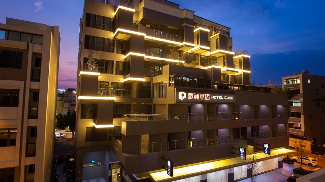 默砌旅店 (Cube Hotel) 1