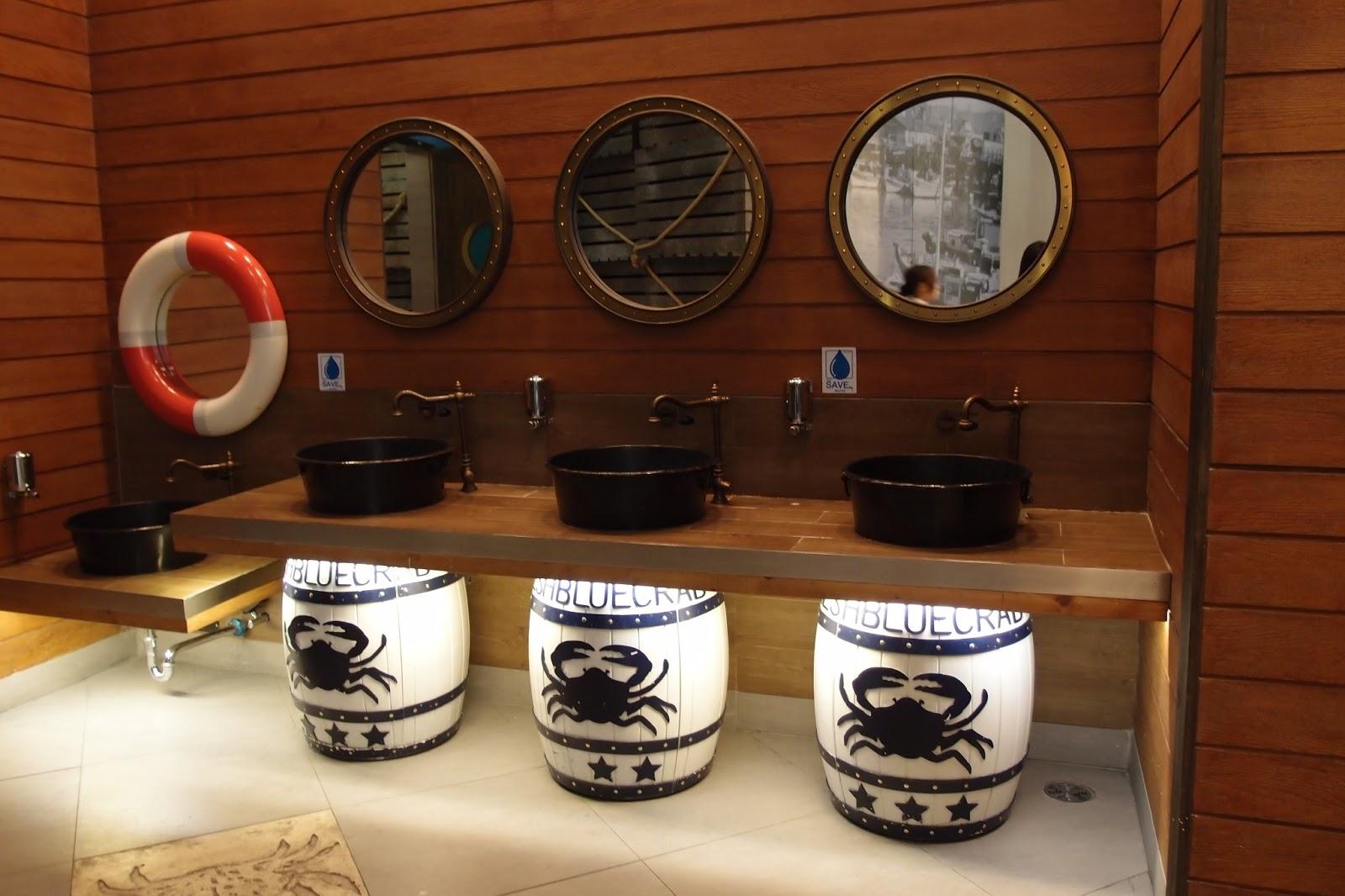 smellypompom.blogspot.com terminal 21 toilet